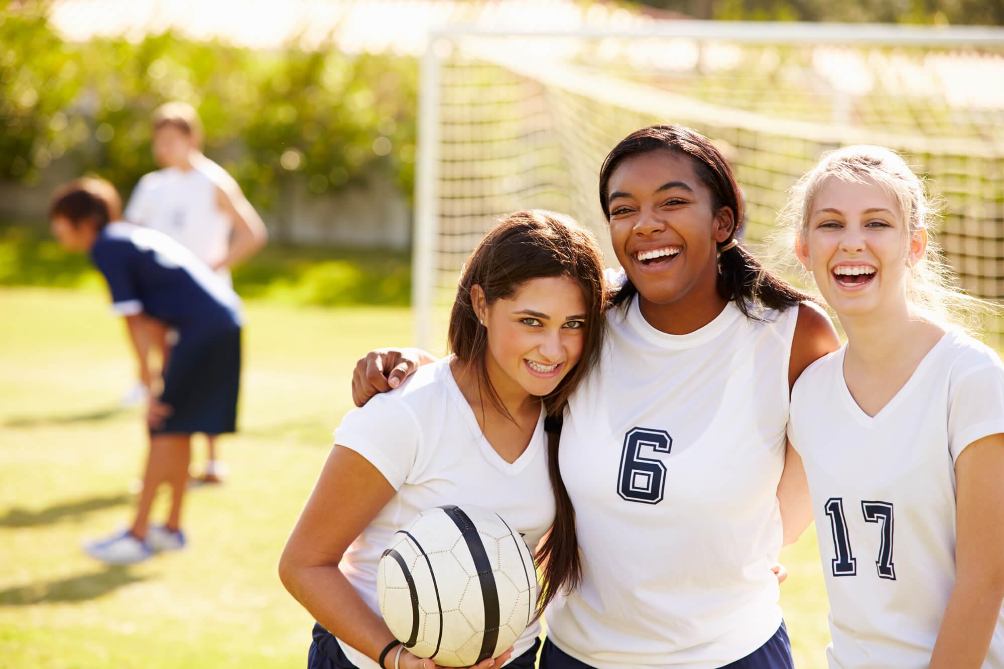 CSM_image-secondaire_groupe-filles-ado-foot BD